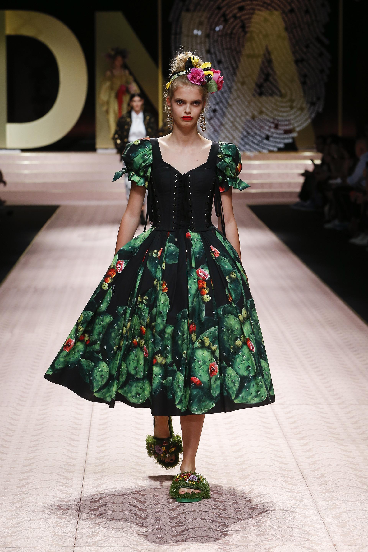 اكتشفي مجموعة أزياء دولتشي آند غابانا لصيف 2019